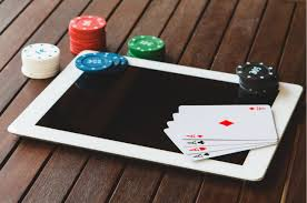 People should choose a trusted online gambling site (situs judi online)